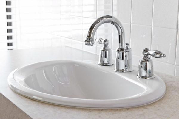 8 советов по выбору смесителя для мойки и ванной