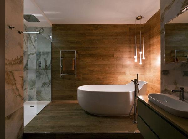 Можно ли использовать дерево для отделки ванной комнаты