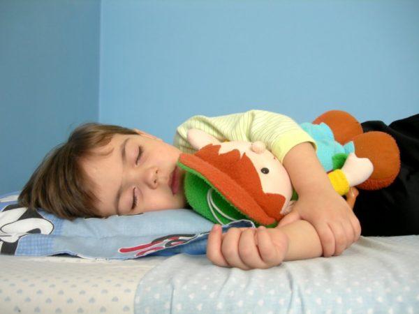 Как правильно организовать спальное место для ребенка