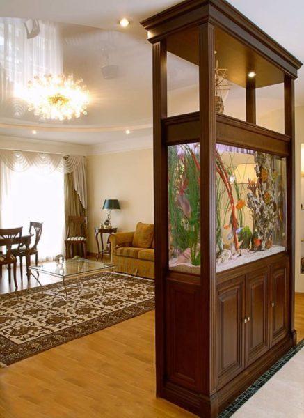 Подбираем аквариум в интерьер современной гостиной