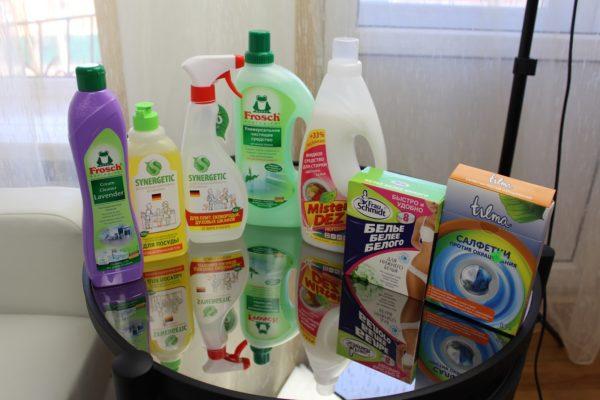 Какие экологичные и безопасные средства выбрать для уборки квартиры