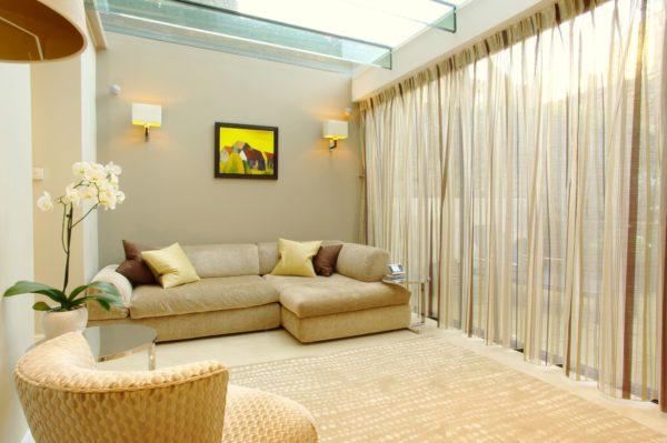 Воздушные шторы: как оформить окна легкими тканями