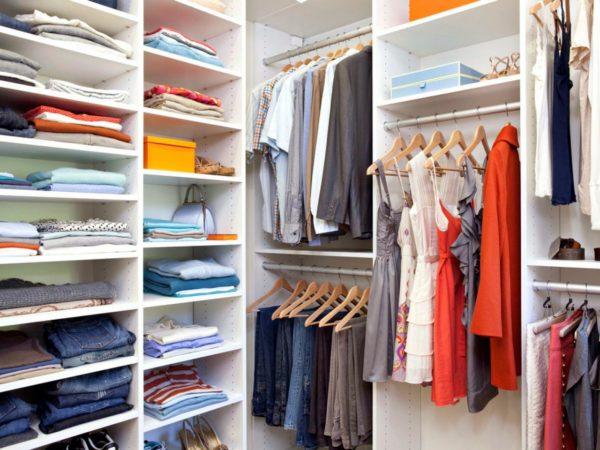 Как максимально сэкономить место в шкафу