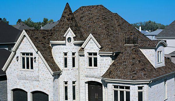 Благодаря кровельным узлам — ендовым, фронтонным, коньковым и др., создаются удивительно причудливые формы крыш