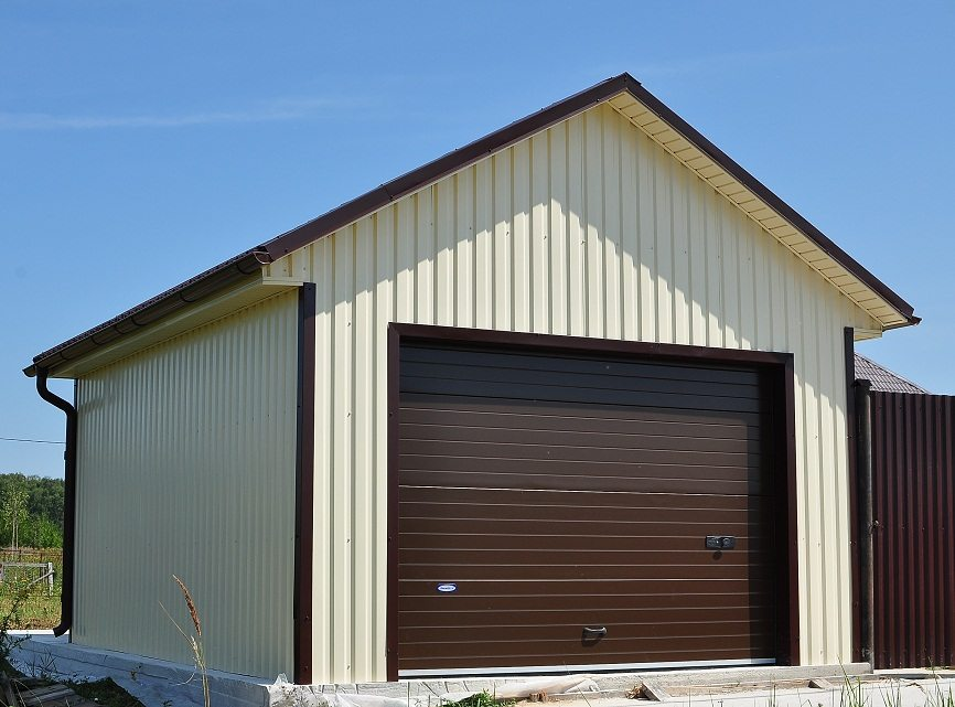 чем накрыть крышу гаража