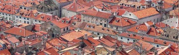 Черепичные кровли стали визитной карточкой европейской архитектуры