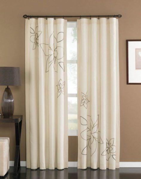 Как правильно чистить шторы в домашних условиях