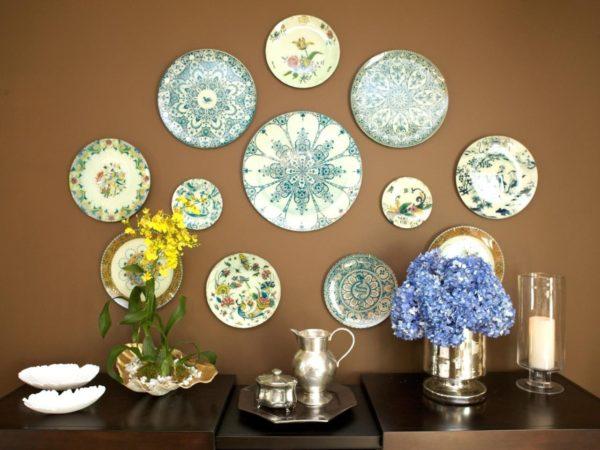 Как правильно использовать тарелки в качестве декорирования квартиры