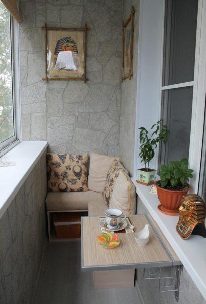 Как обустроить удобный и красивый балкон в хрущевке