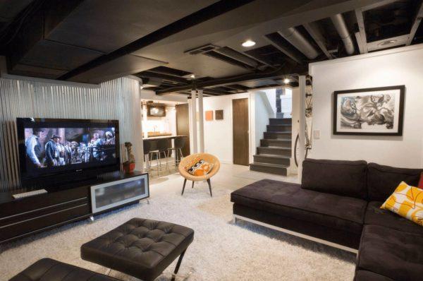 Как обыграть низкие потолки в интерьере квартиры