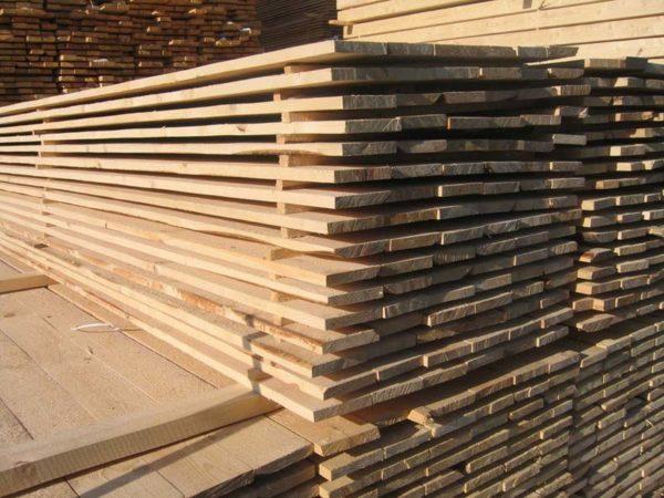 Для работы берем ровную, сухую древесину без гнили