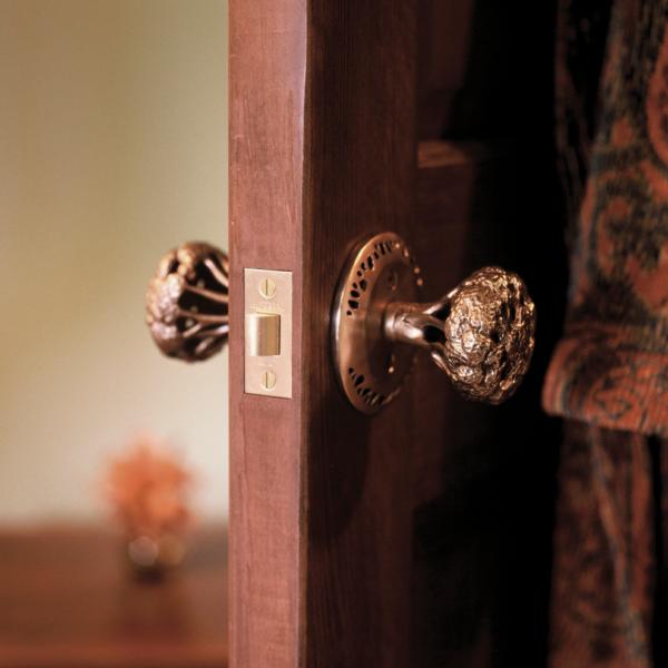 Необычная деталь: оригинальные ручки для межкомнатных дверей