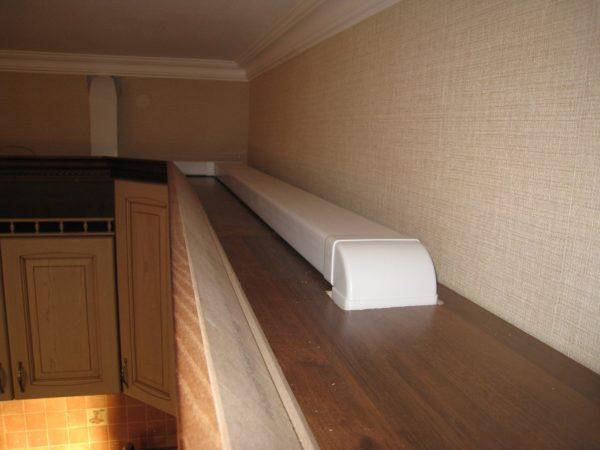 Как спрятать вентиляцию и вытяжку на кухне