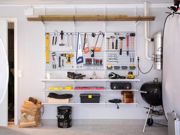 Как освободить пространство квартиры с помощью систем хранения