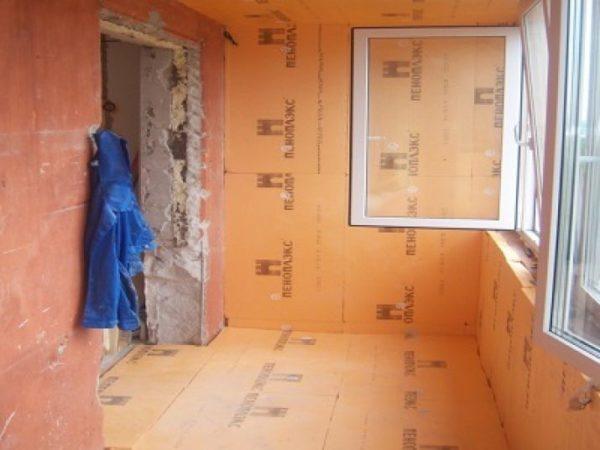 ЭПС применяют для внутреннего утепления стен.