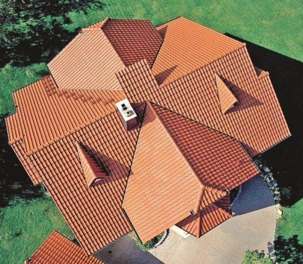 Если у дома есть множество пристроек, то для него оптимально многощипцовое сооружение.