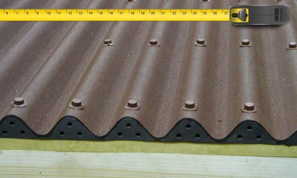Габариты ондулина необходимо знать, чтобы подсчитать нужное количество материала.