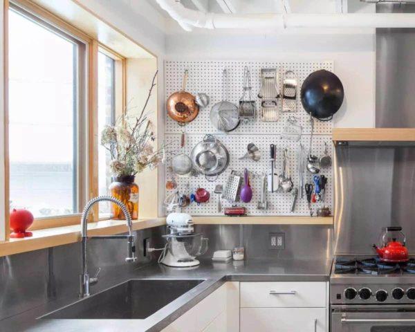 Какие идеи хранения можно использовать на кухне в хрущевке