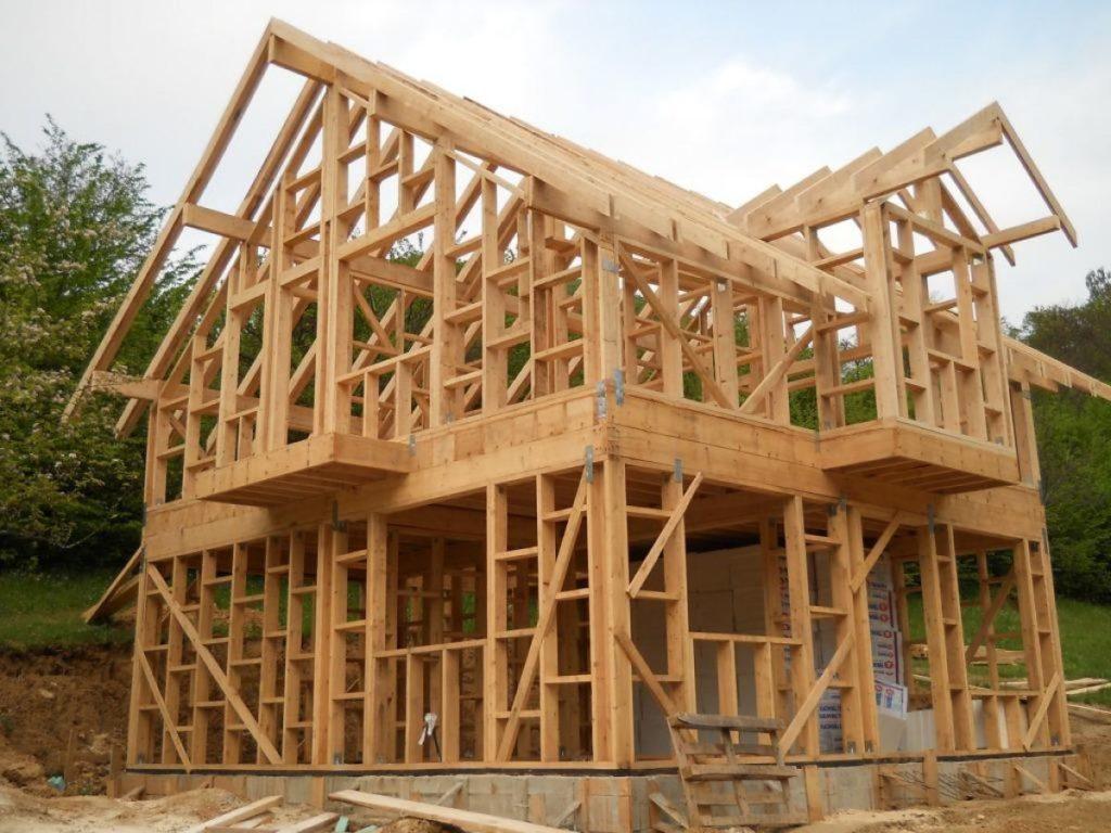 С чего начать строительство деревянных домов