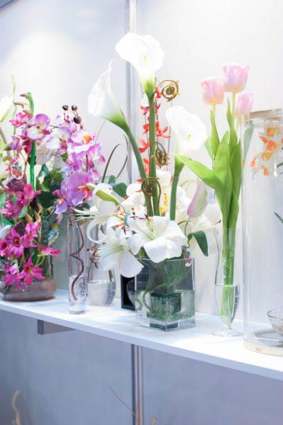 Когда стоит выбрать искусственные растения для украшения квартиры