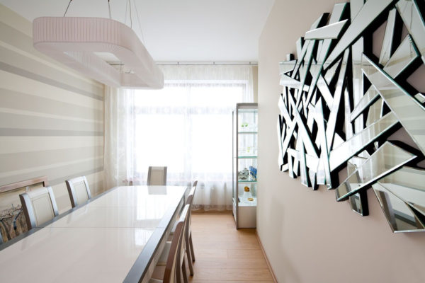 Как сделать комнату светлее и просторнее