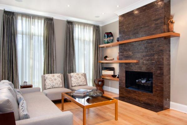 Стоит ли устанавливать камин в небольшой гостиной