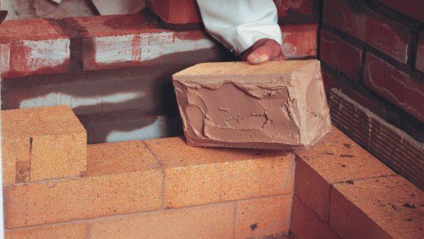 Класть кирпич при постройке печи можно совсем не на любой состав!