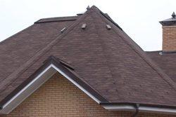 Шатровая крыша дома