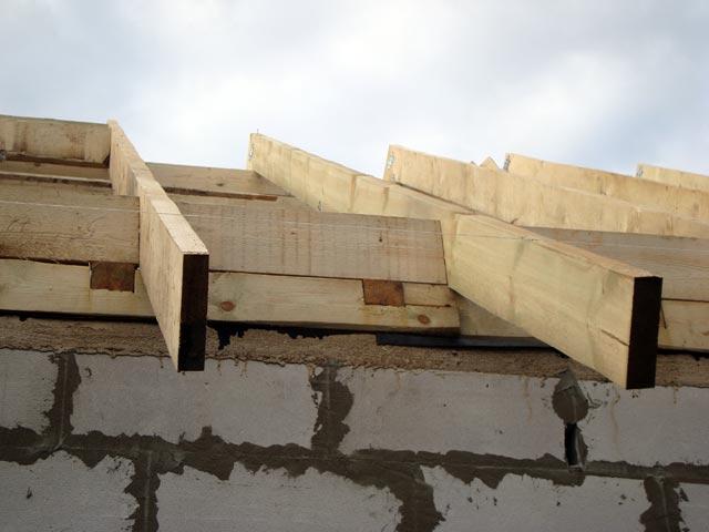 Устройство деревянной крыши