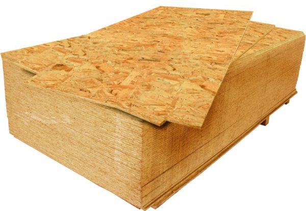 Листы ОСП – идеальный материал для основания, если угол ската крыши меньше 15 градусов