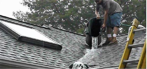 Лучше проверить водой качество монтажа разжелобка, чем это сделает ливень