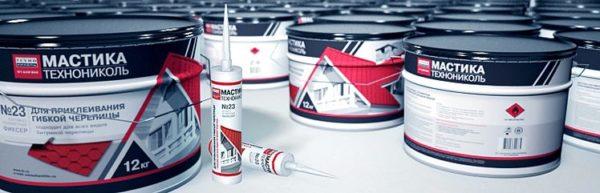 Мастика позволяет укрепить кровлю на всех сложных участках