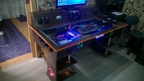 Что такое игровой стол для компьютера и как его правильно выбрать