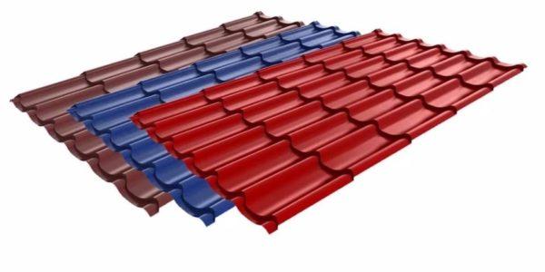 Металлочерепица — недорогой и прочный кровельный материал с полимерным покрытием предотвращает возникновение ржавчины и придает материалу определенный цвет, а иногда и текстуру.