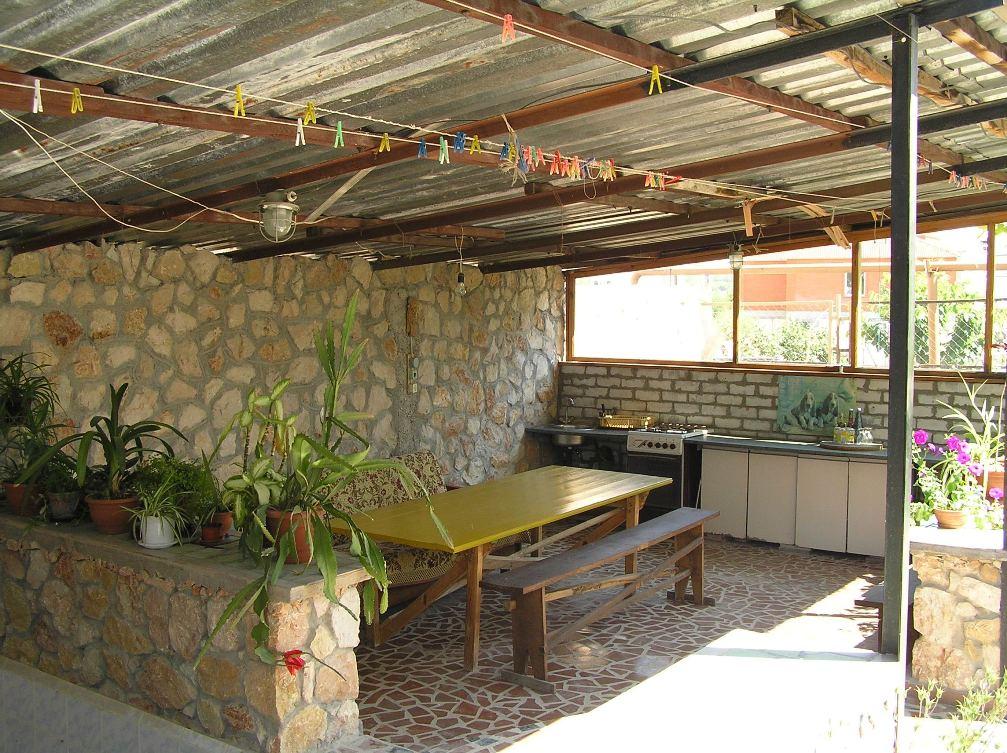Летняя кухня на даче своими руками из подручных фото 256