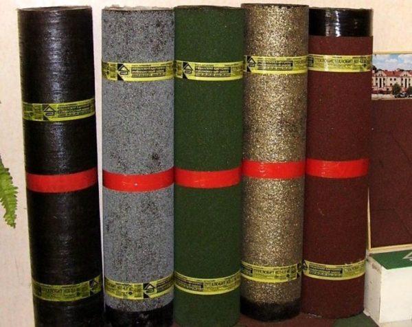 На фото — армированные полотнища, они более прочные.