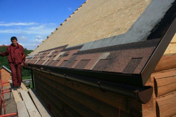Некоторые строительные материалы требуют монтажа сплошной обрешетки