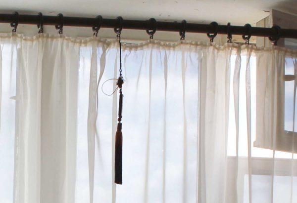 Как красиво повесить тюль на окна
