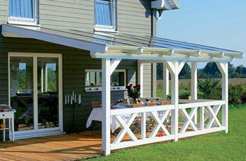 Оригинальное дизайнерское решение для защиты террасы от солнечных лучей и осадков