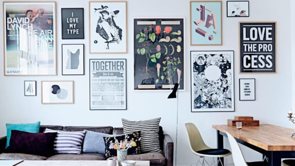 5 советов по расположению плакатов в интерьере гостиной