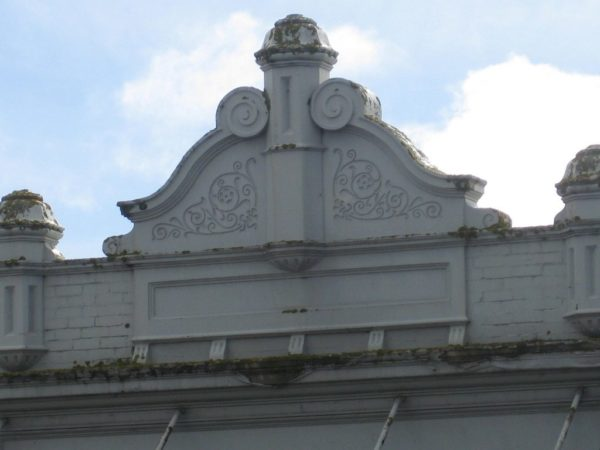 Раньше парапет был элементом архитектурного украшения зданий