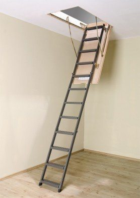 Размеры чердачных лестниц должны быть строго подогнаны по высоте этажа и углу наклона
