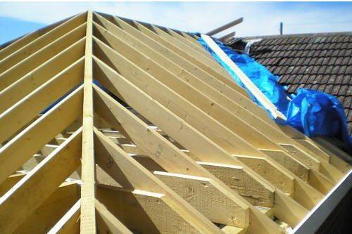 Ребро скатов вальмовой крыши