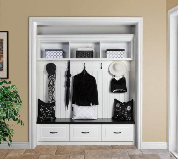 """Как """"спрятать"""" шкафы в тесной квартире"""