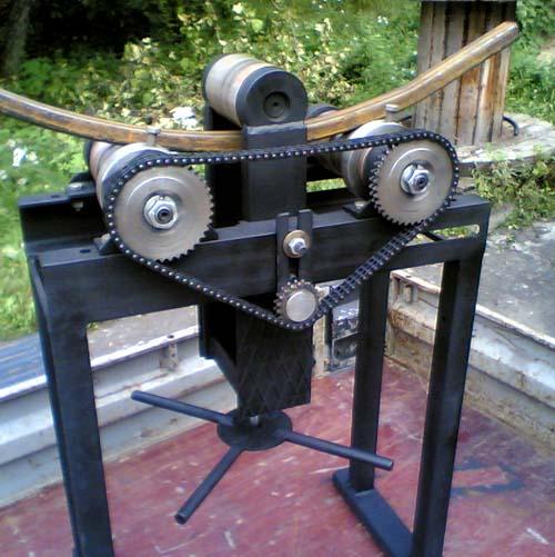 Станок для изгибания стальной трубы.