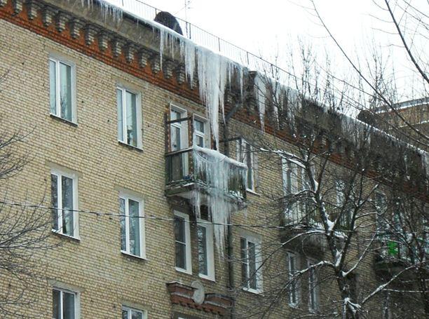В условиях русской зимы навесы для балконов становятся особенно актуальными.