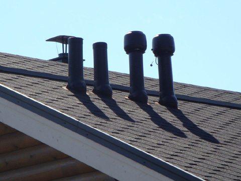 вентиляционное оборудование, установленное на крыше