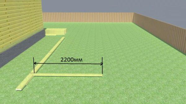 Вертикальная стойка равна высоте мансардного помещения