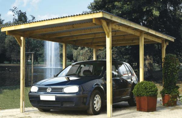 Временный гараж на деревянных опорах