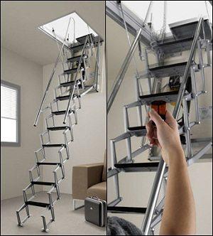 Выдвижная чердачная лестница в действии